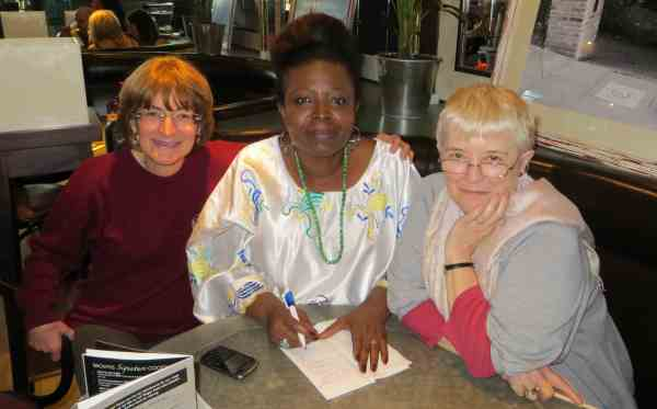 13.05.26 Tobe, Efua and Hilary meet-up in Brown's, Islington 1a